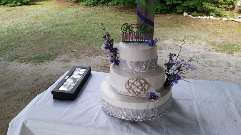 Durham Maine Wedding White's Beach Campground Wedding Cake
